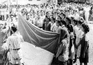 Ngibarkeun Bendera Merah Putih