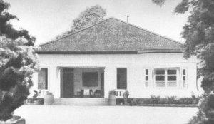 Rorompok Soekarno Baheula (Jl. Pegangsaan Timur No. 56) anu dijadikeun tempat dibacakeunana Teks Proklamasi