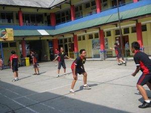 Galah Ulung di lapang Badminton